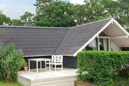 Rustic Holiday Home in Hovedstaden with Barbecue