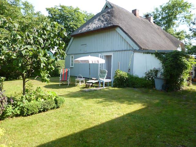 Fischerhaus auf dem Darß mit Garten - Prerow - Haus