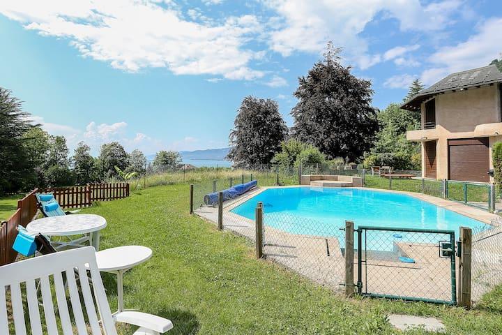 Apt in Villa sleeps 3 plus pool 8min to Montreux . - Villeneuve - Apartment