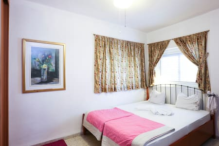 comfortable bedrooms near Tel Aviv  - Rishon LeZion