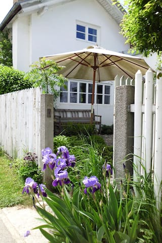 2-Bedroom Cottage in Nature Reserve - Emmerting - Huis