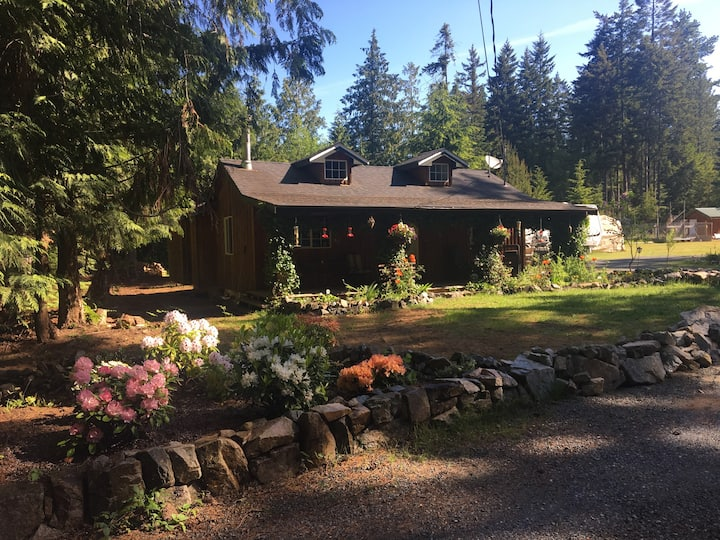 The Ivy Cottage at Qualicum Beach