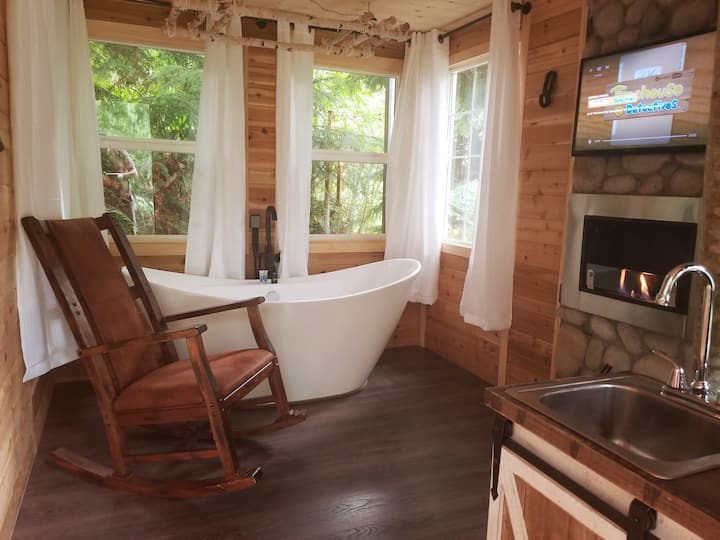 Treehouse Place at Deer Ridge Featured top 10 USA!