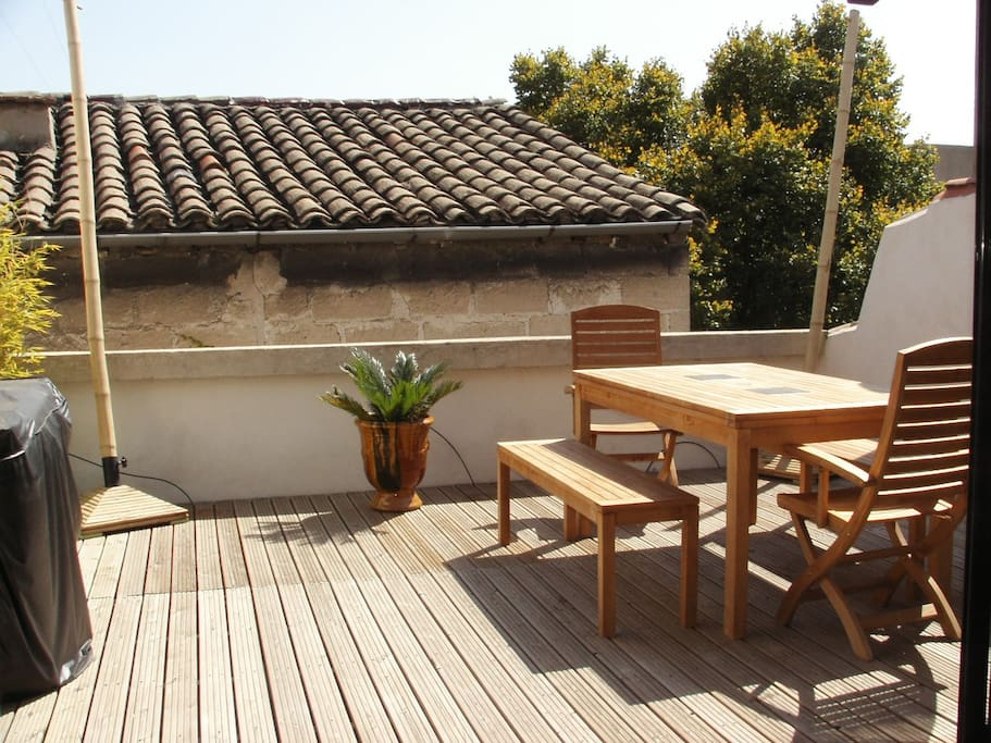 Home with garage and terrasse houses for rent in avignon for Garage d avignon vienne