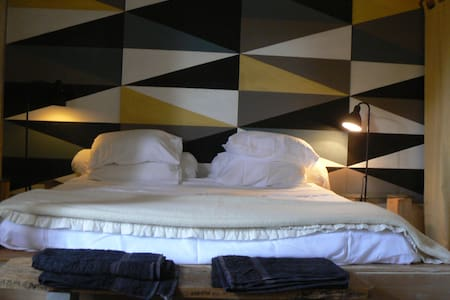 Pauliac Chambres d'Hôtes-familyroom - Celles - Bed & Breakfast