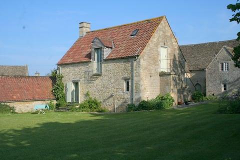 Henley Farmhouse Studio