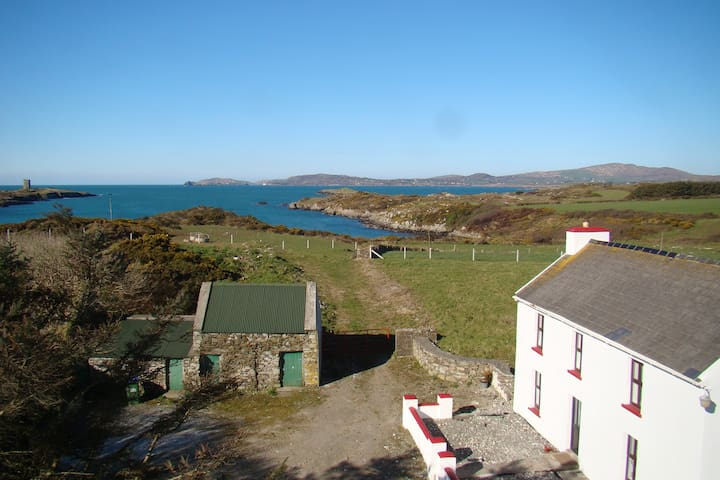 Acres of tranquility; Atlantic view - Schull - Casa