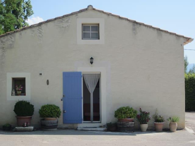 Beau studio au pied du Mont Ventoux - Saint-Pierre-de-Vassols - Huoneisto