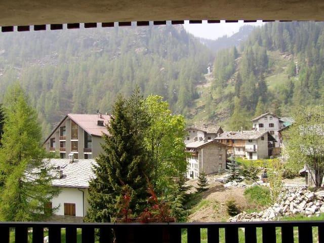 Vista dal terrazzo in estate