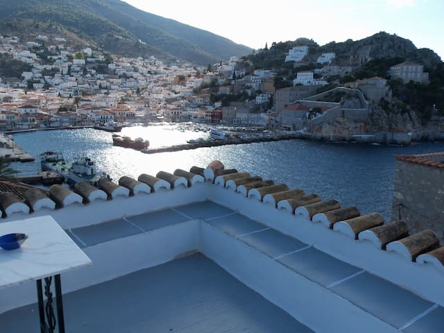 Amazing view house in Hydra-Greece - Idra - Haus