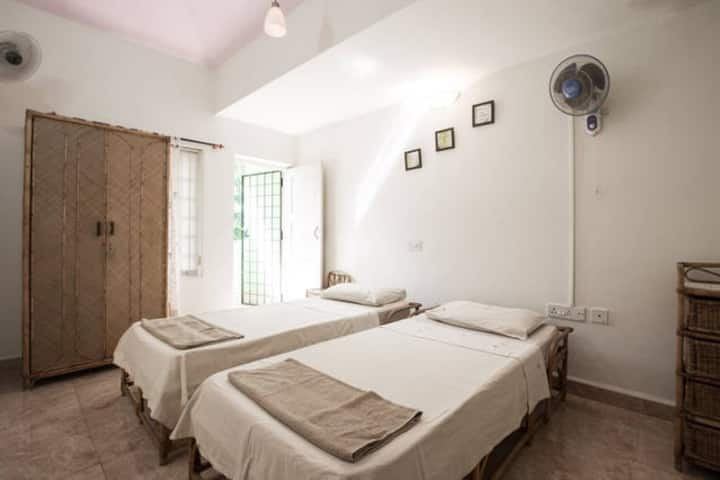 4 bedrooms Villa, Goan Cook, Private Kitchen
