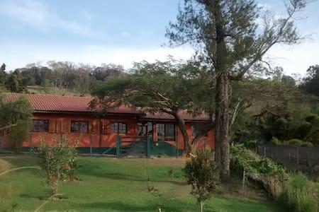 CASA DE CAMPO EM PARAISÓPOLIS MG - Paraisópolis - Cabin