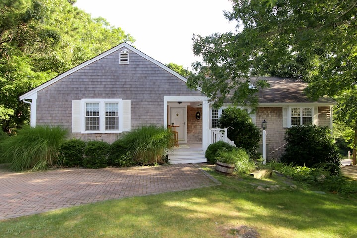 Charming Cape Cod Gem with Pool, Hot Tub & Fireplace