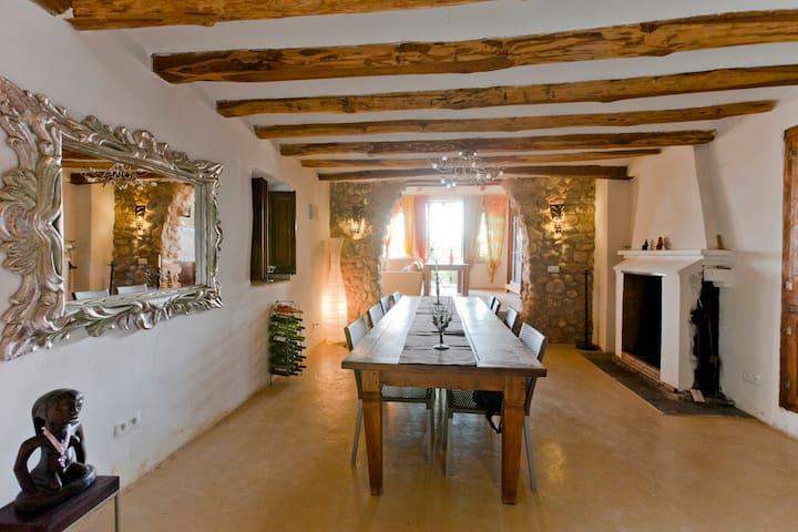 Cal Pau Cruset - Casa Parellada - Torrelles De Foix - Apartmen