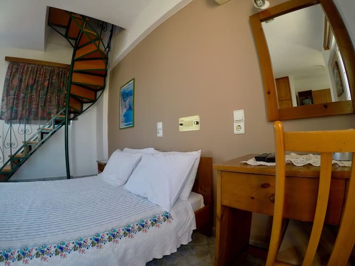 Villa Spiros II Apartment for 2-6 ppl