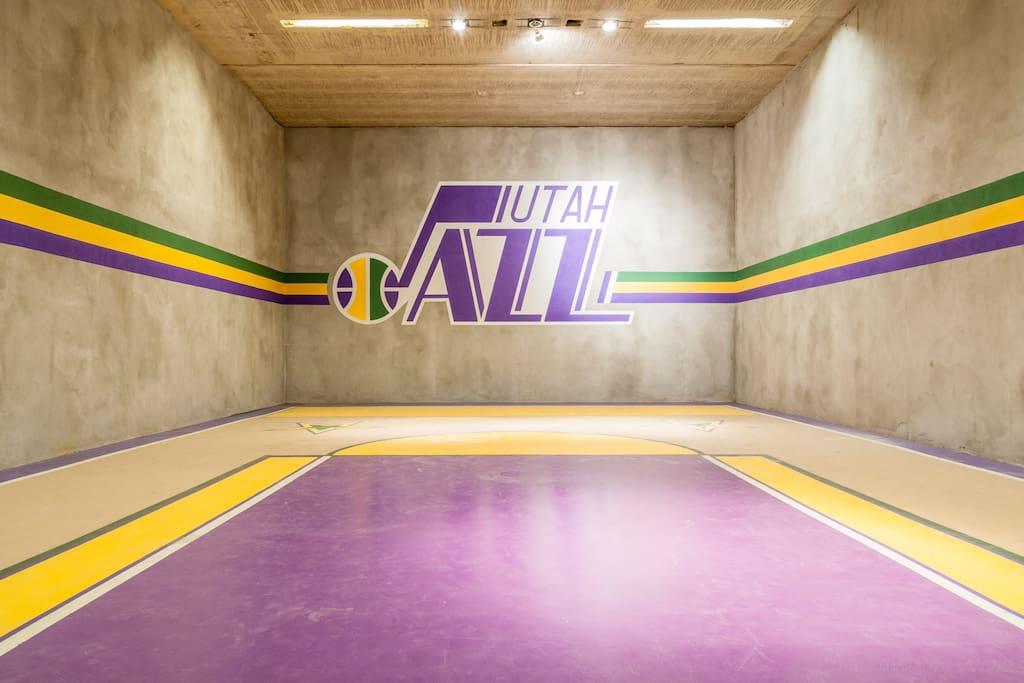 Lighted sports room for racket ball, basketball, etc.