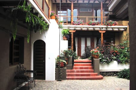 Studio flat, historic Cuenca  - Cuenca Canton