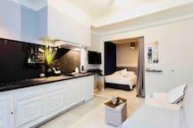 Suite de 26 m2 avec baignoire Balnéothérapie, en plein cœur du centre historique, idéal pour un séjour en amoureux :))