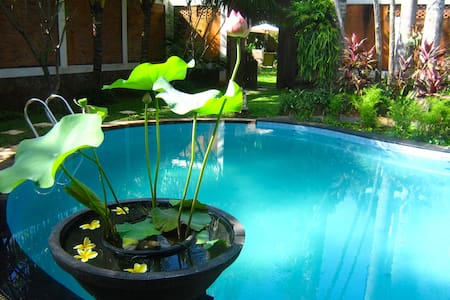 Mekar Villa Bed & Breakfast - Ciputat