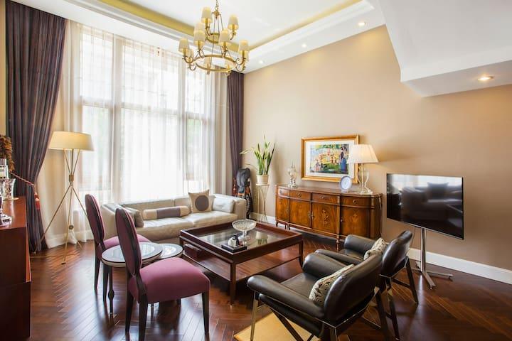大连旅顺龙河河畔花园内法式别墅-优雅自由的生活享受~泽洋居028房间