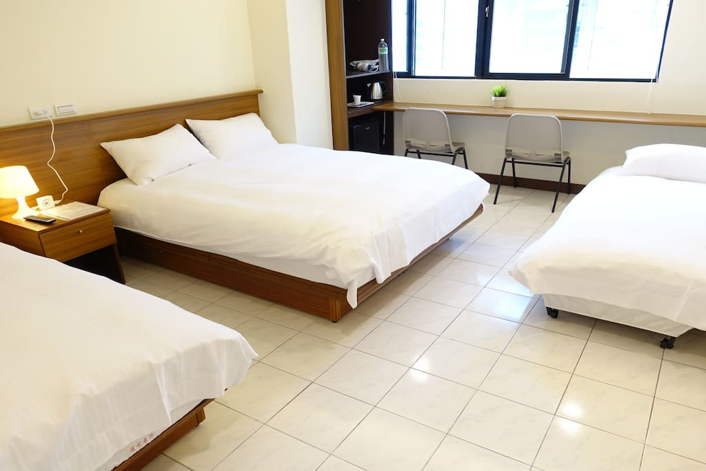 加1張床 (3張床睡4人) add 1 extra bed, total 3 beds sleep 4