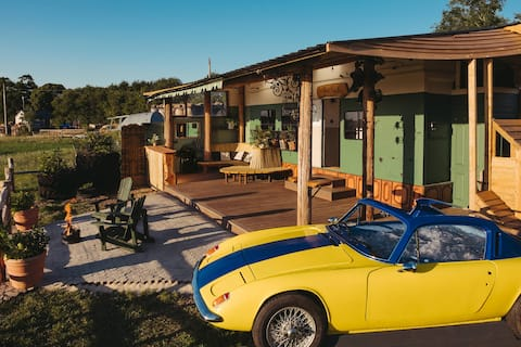 Lotus Car Spa & Horse Hut