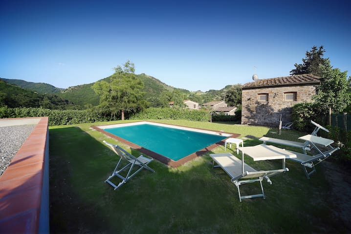 Casa Patrizia, la piccola fattoria  - Borgo A Mozzano - Huis