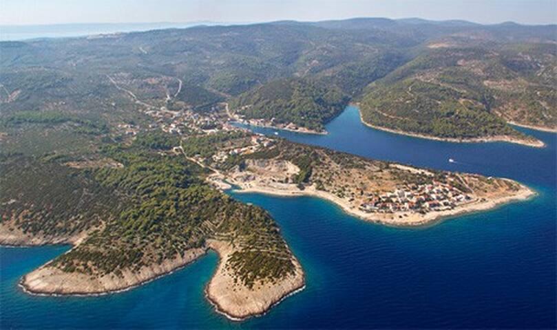 Holiday House Doda (Povlja, Brac Island, Croatia)
