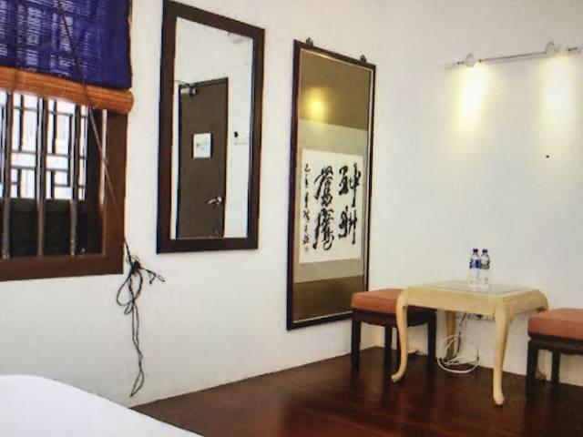 Queen Bedroom, Wayfarer Guest House