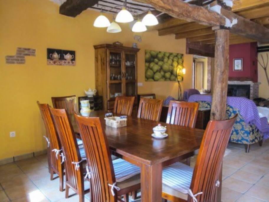 Casa r stica de piedra restaurada casas en alquiler en - Casas decoradas con piedra natural ...