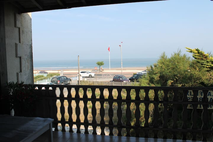 bed&breakfast at sea front& terrace - Soulac-sur-Mer - Bed & Breakfast