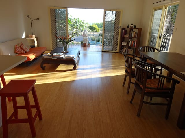 Simple elegant apartment by the sea - Nightcliff - Flat