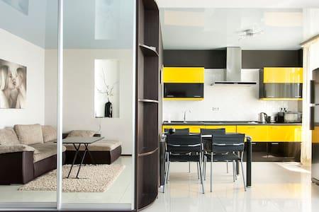 VIP apartment m.poznyaky,Gmury st. - Kijev