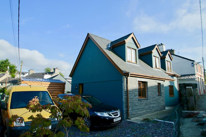 Ty Glas, our blue house