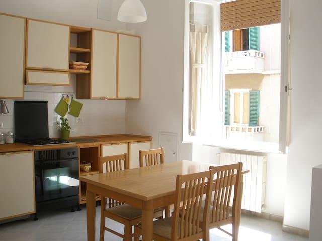 Appartamento Piombino centro & bici