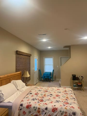 Johns Creek Quiet, Safe and Private Large Space