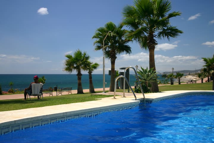 APARTMENT IN COSTA DEL SOL - Estepona - Wohnung