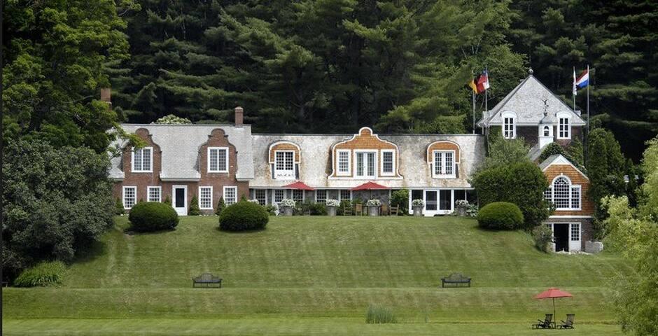 Luxurious Reading Farms Estate  41+