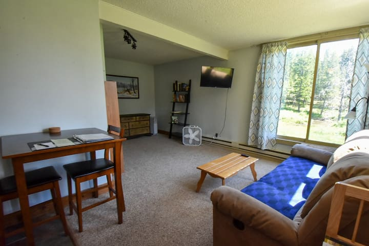 Affordable Mountain Retreat At Big Sky Resort, Hill Condo 1265