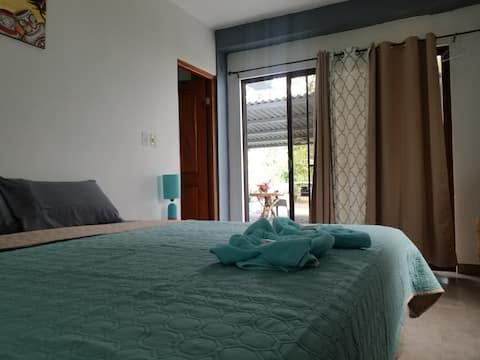 """Cambutal """"Bahamas"""" Oceanfront King Bedroom"""