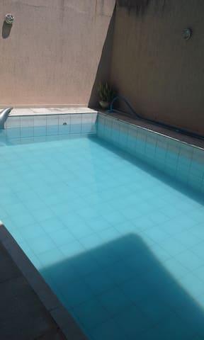 Suite em Canoas, a 10 km do Aeroporto. - Canoas - Huis