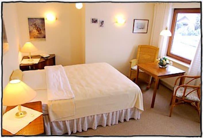 Hübsches Zimmer für ein oder zwei Personen