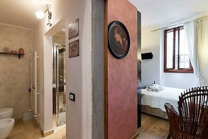 ADVENTURE STAY WITH ANNA IN FLORENCE