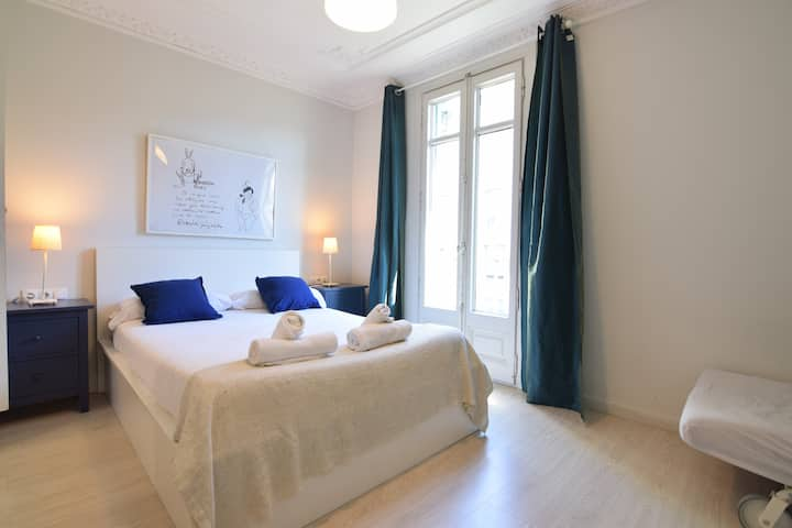 Pretty apartment in the heart of barcelona :)