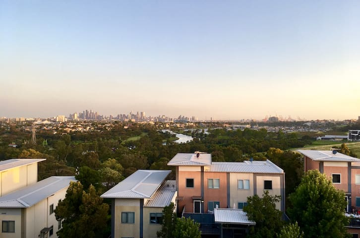 Stunning Brand New 2Br 2Ba overlooking Melbourne