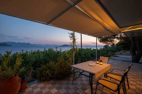 Charming summer house in Vrohia , Aegina!