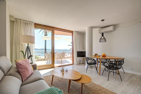 Seafront Apartment 1B