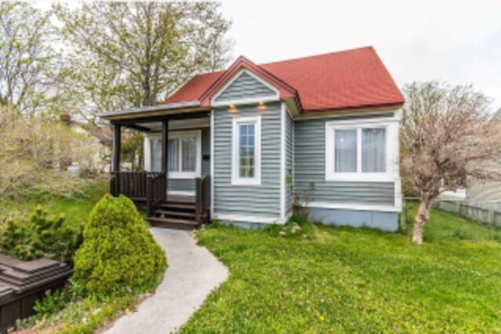 78 Carpasian Road cottage