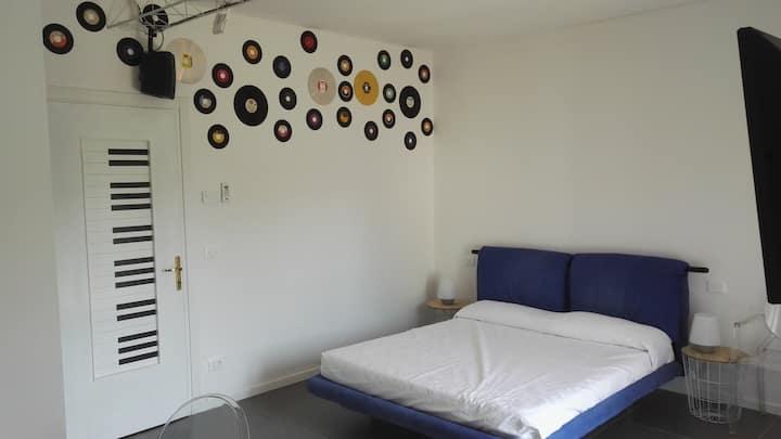 Casa Bonatti Monolocale musica
