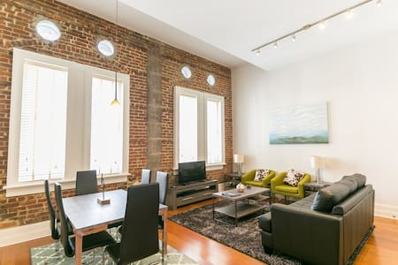Fantastic Carondelet Street Apartment by Stay Alfred